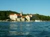 Jiný pohled na klášter při opouštění ostrova