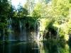 Krásný široký vodopád